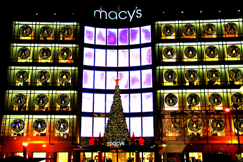Amazon, Walmart and Macy's: Retailers Offering the Biggest Savings on Popular Christmas Gifts