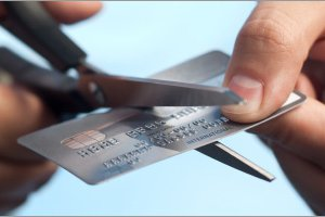 Does My Credit Score Go Down When I Cancel a Credit Card?