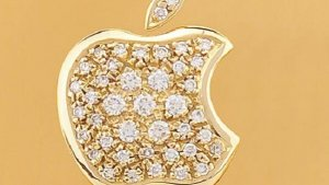Apple Stock Versus Gold: Which One Makes a Smarter Investment?