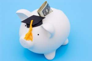 Private Student Loans Drying Up, Students Rely on Federal Loans