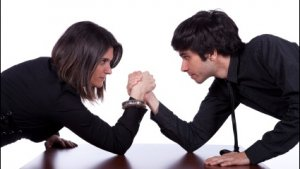 Men vs. Women: Experian Singles Out Whose Credit Scores Rank Highest