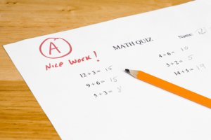 Paying Kids for Good Grades Devalues Education