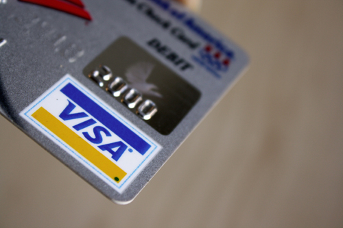 5 Credit Cards for Boosting Your Credit in Chicago