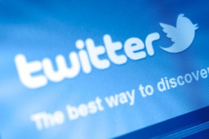 Hoping to Avoid Facebook's Fiasco, Twitter Sets IPO At $26 a Share