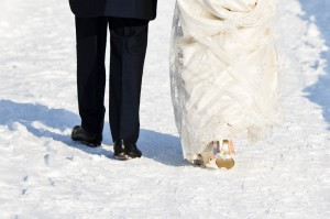 Ditch Traditional Wedding Costs and Save Money by Eloping Like Kelly Clarkson